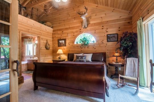 Elk Horn Cabin - Master Bedroom 1