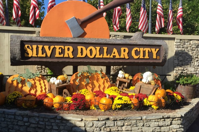 Silver Dollar City Entrance